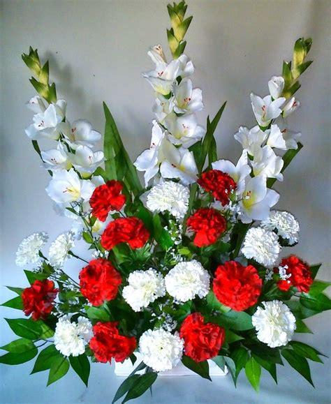 Centro de flores de tela para difuntos | Arreglos florales ...