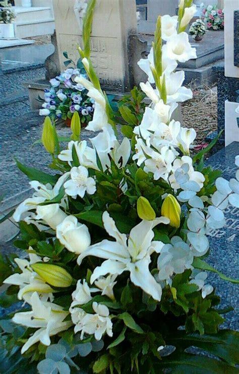 Centro de flores para cementerio   Centros de flores ...