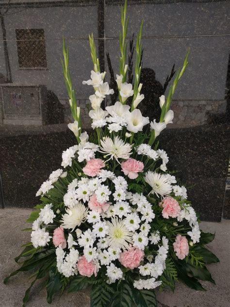 Centro de flores para cementerio • Floristería Verdegal