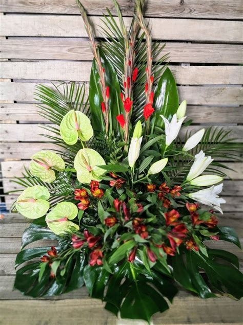 Centro de flores para difuntos | Arreglos de flores ...