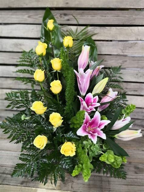 Centro de flores para difuntos | Arreglos florales ...