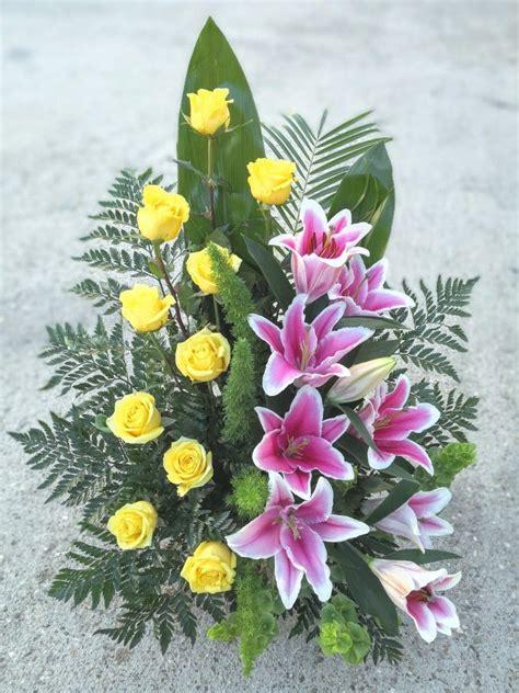Centro de flores para difuntos | Arreglos florales para ...