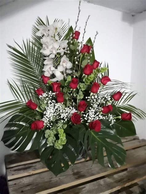 Centro de flores para difuntos | Flores, Centros de flores ...