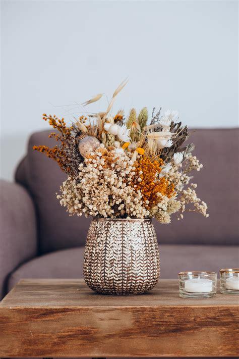 Centro de flores preservadas en jarrón bonito para decorar ...