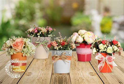 Centros de flores artificiales o naturales en decoración ...