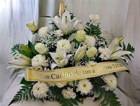 Centros de flores funerarios   Floristería funeraria ...