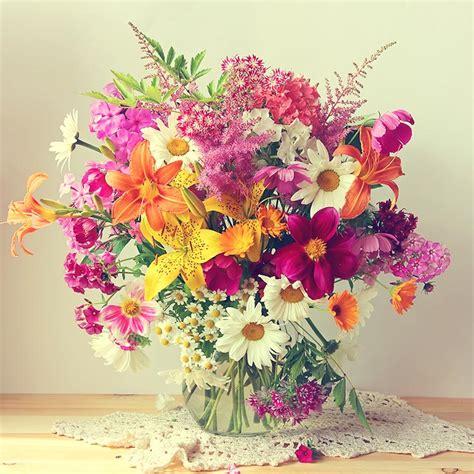 Centros de flores: la alegría de la mesa   Foto 1