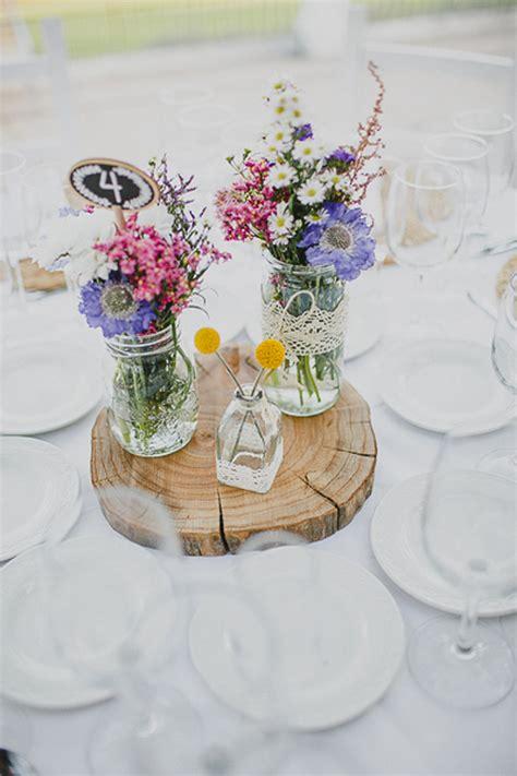 Centros de mesa de flores silvestres   Flores en el Columpio