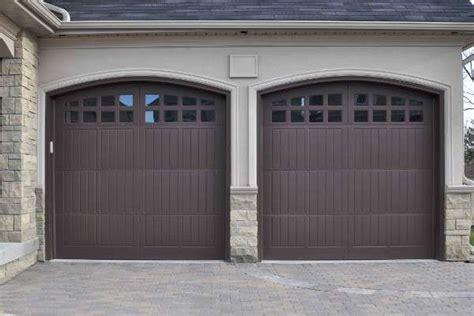 Cerrajeros Donosti 24h | Puertas de garaje, Garaje, Puertas