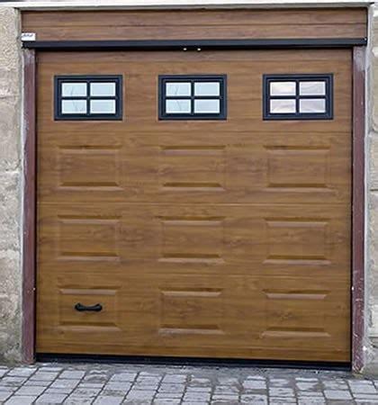 CERRAJEROS MASTER KEY: Consejos para comprar puerta de garaje