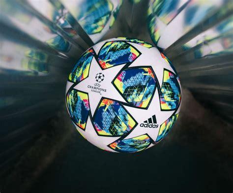 Champions League 2019 20 Ball   Cambio de Camiseta
