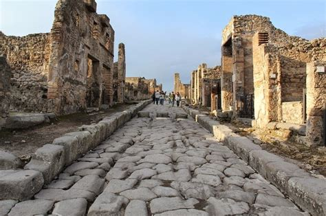 Chariot Tracks on The Streets of Pompeii | Amusing Planet