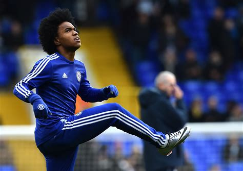 Chelsea Transfer News: Willian ready to sign new contract ...