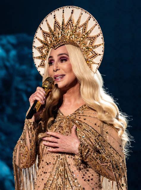 Cher : biografia i życiorys, 2 ciekawostki, wiek, rodzina ...