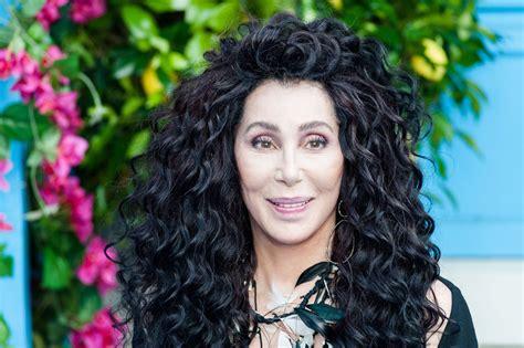Cher din  Mamma Mia  si  Burlesque  este aniversata zilei ...