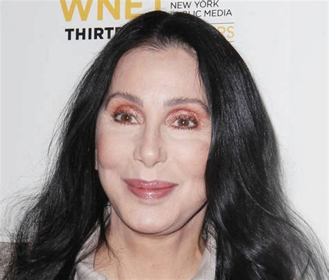 Cher goes to war over refugees in U.S.
