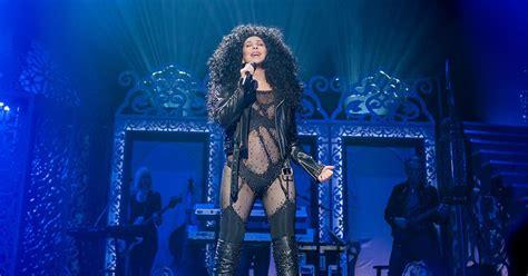 Cher, tras su paso por  Mamma Mia 2 , graba los grandes ...