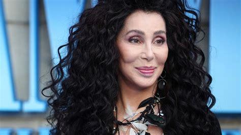Cher vuelve a los estudios para grabar los grandes éxitos ...