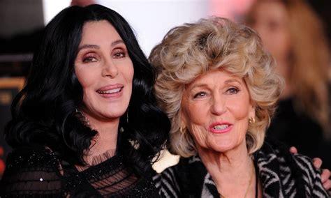 Cher y su madre siguen sorprendiendo con sus fotos de ...