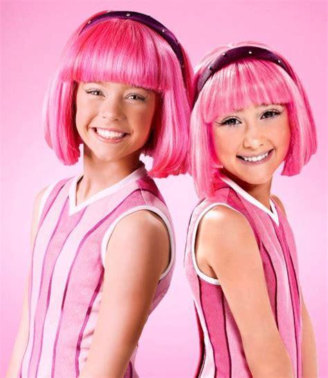 Chloe Lourenco Lang and Julianna Rose Mauriello as ...