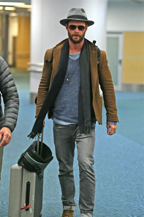 Chris Hemsworth arrives in Vancouver to work on Bad Times ...