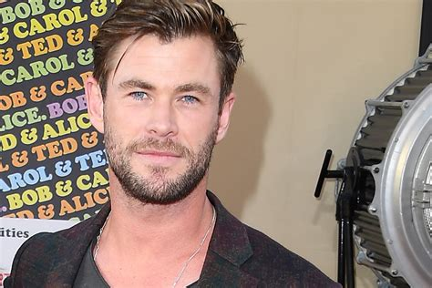 Chris Hemsworth entrenamiento rutina ejercicio instagram