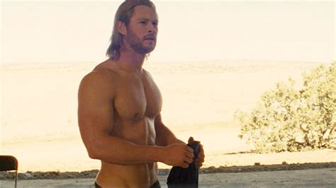Chris Hemsworth is unrecognizable after slimming down for ...