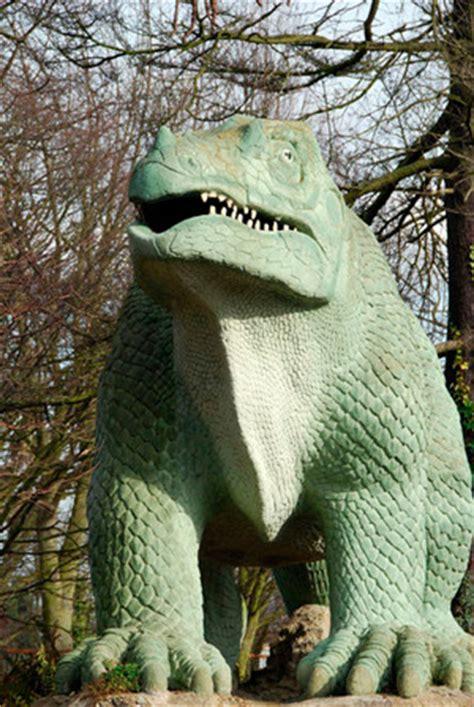 Cienciaes.com: Los primeros dinosaurios. | Podcasts de Ciencia