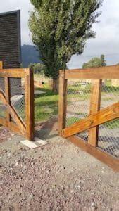 Cierre perimetral con madera Contáctanos al +569 562 98 910