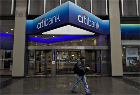 Citibank, in Settlement, Extends Free Checking   NYTimes.com