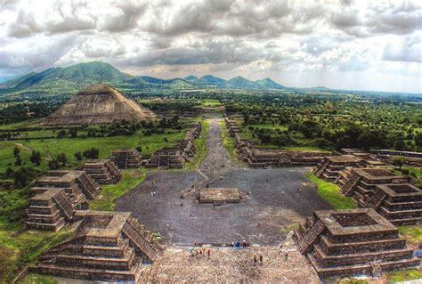 Ciudad prehispánica de Teotihuacán : Pueblos Magicos de Mexico