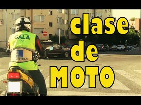 Clase práctica completa de moto. Carnet de moto A2 ...