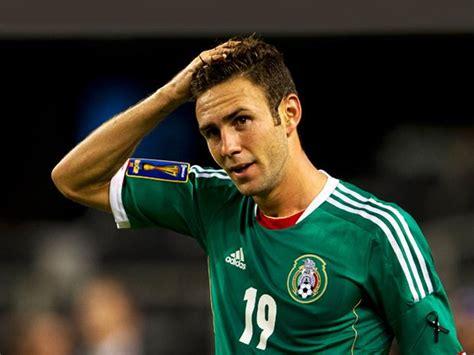 Classify Mexican Footballer Miguel Layun