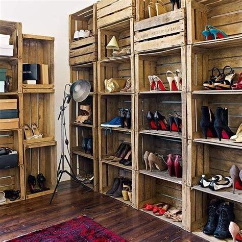 Closet con huacales   Reciclar cajas de madera, Cajas de ...