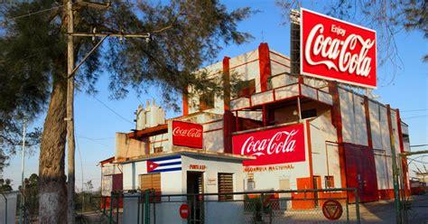 Coca Cola abre fábrica en Cuba