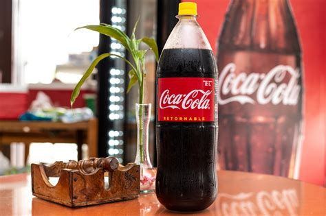 Coca Cola apuesta a la economía circular y promueve los ...
