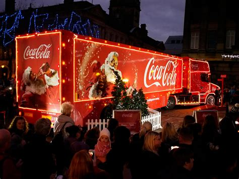 Coca Cola Christmas truck tour arrives in Scotland today ...