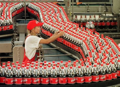 Coca Cola da por superado su conflicto laboral y reabre su ...