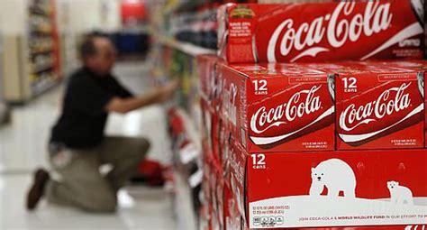 Coca Cola eleva su meta de ahorro de costos y espera menor ...