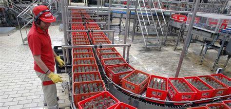 Coca Cola hará una reestructuración de su negocio en todo ...