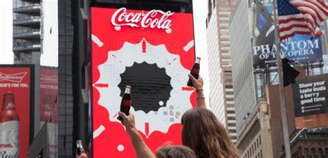 Coca Cola instaura una pantalla 3D en Times Square