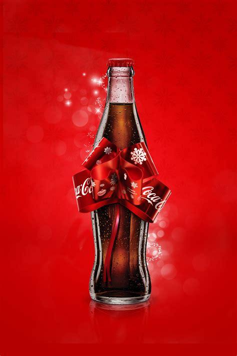 Coca Cola Japan – Christmas Bottle | THEINSPIRATION.COM