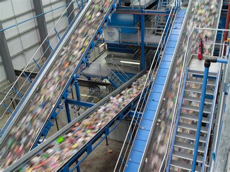 Coca Cola launches UK sustainable packaging strategy, to ...