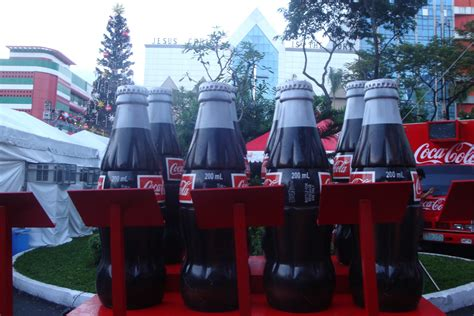 Coca Cola opens the Christmas Holiday by Tree Lighting ...