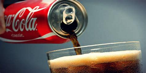 Coca Cola reduce el contenido calórico de sus bebidas en ...