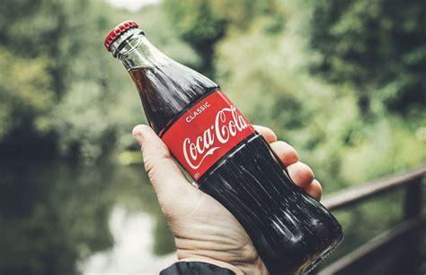 Coca Cola reversiona uno de sus anuncios más icónicos por ...