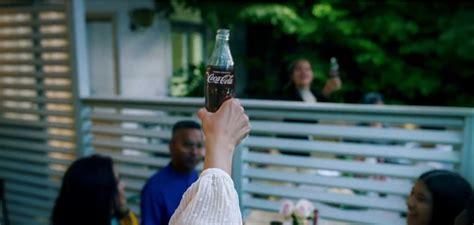 Coca Cola vuelve a aparecer en los medios con la campaña ...