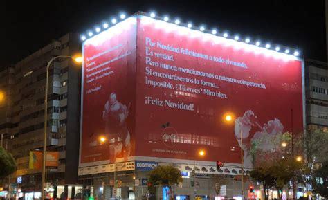 Coca Cola vuelve a sorprender y felicita la Navidad… a ...