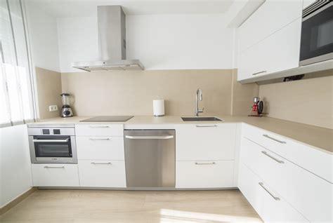 Cocinas pequeñas Madrid | Proyecto diseño Muebles Santos