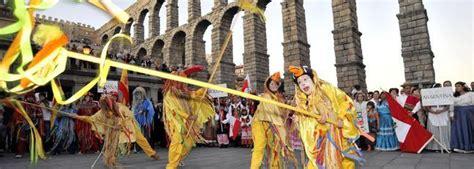 Colirida fiesta de la hispanidad en Segovia   CastillaLeon ...